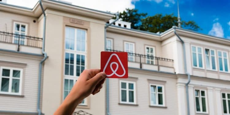 Airbnb revives hotel strategy, moves closer to rival OTA model
